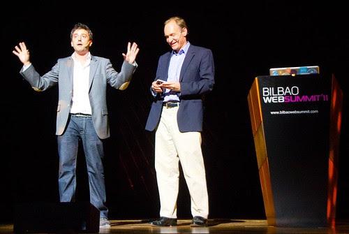 Xabier Uribe-Etxebarria y Tim Berners-Lee