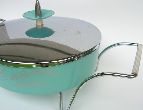 SERVER- Aqua Mint Seafoam - Beautiful Covered Casserole Dish - Retro