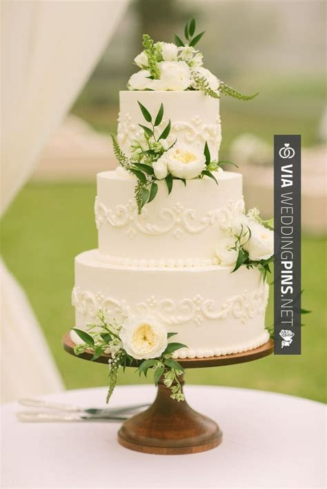 1000  images about Wedding Cake Trends 2017 on Pinterest