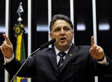 Garotinho afirma que Cunha é 'bandido' e age 'por vingança' ao citá-lo em delação
