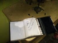 Bíblia é encontrada intacta após casa em que estava ser completamente destruída por incêndio