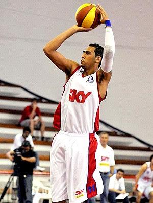basquete marquinhos pinheiros sky araraquara (Foto: João Pires / Pinheiros SKY)