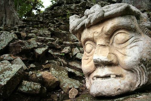 Olmec Head at Copan by hexodus...
