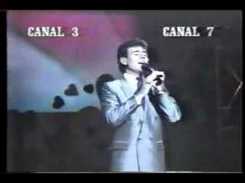 Héctor Sandarti - Alguien llora en la ciudad