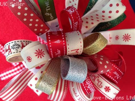 christmas ribbon bundles    gift wrapping wreaths
