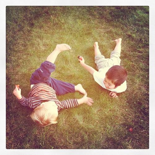 Barefoot buddies.