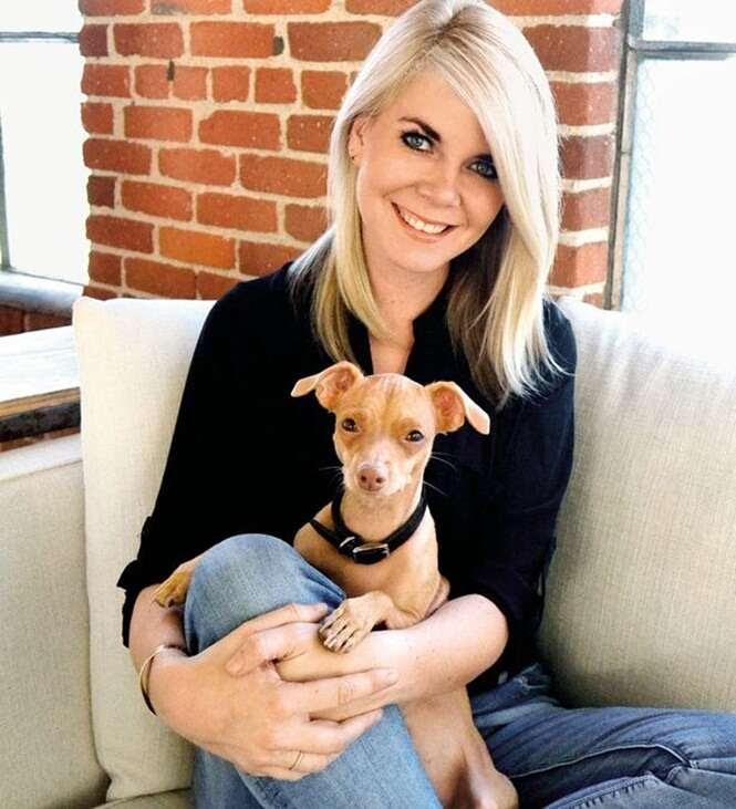 """Cão apelidado como o """"mais feio do mundo"""" ganha fama na internet"""