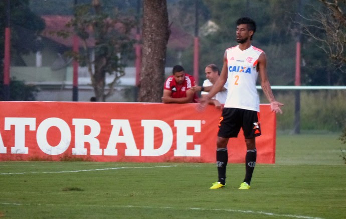 Leo Moura no treino do Flamengo (Foto: Thiago Benevenutte)