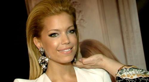 Sylvie Van Der Vaart Mit Neuer Blonder Mähne Auf Fachmesse
