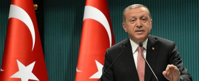 """Turchia, Edrogan minaccia l'Europa: """"Permetteremo ai rifugiati di varcare le frontiere"""""""