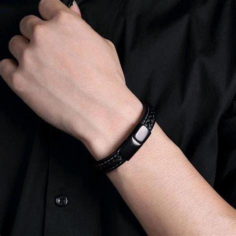 gelang pria kulit titanium hitam anti karat exclusive
