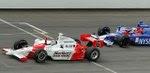 2006: Sam Hornish Jr. vence a prova com uma diferença de 0,0635 segundo para Marco Andretti