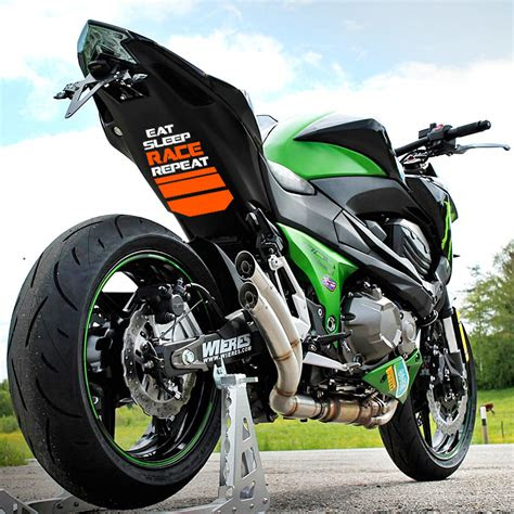 Comparativa Naked | Yamaha MT-07 è ancora meglio di Z650
