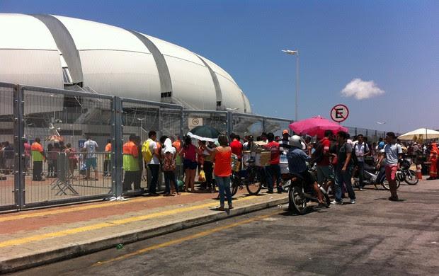 Fila Arena das Dunas treino aberto seleção