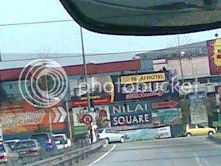 signboard dekat persimpangan