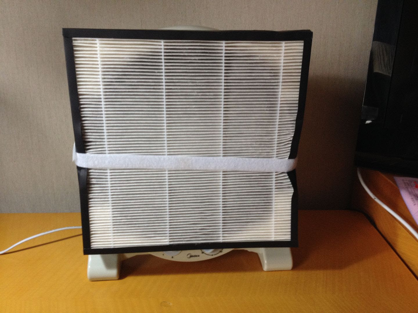 Here's our DIY Smart Air Filter photo 2013-12-09135129_zpse887dd7d.jpg