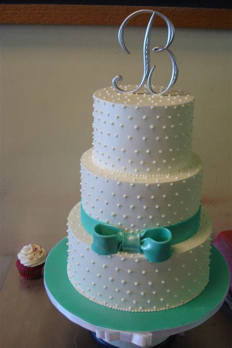 Izzycakes? Creations   Buttercream wedding cake, White