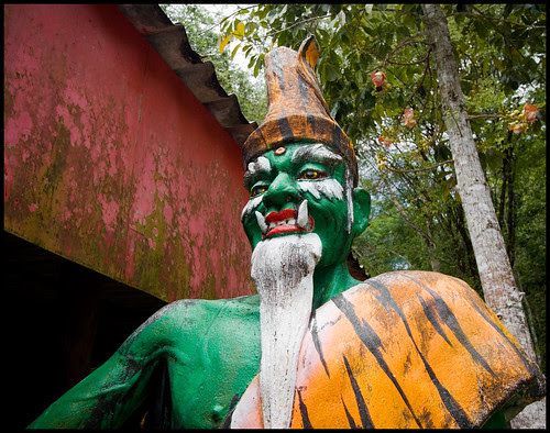 Scary statue at Wat Thamtapan