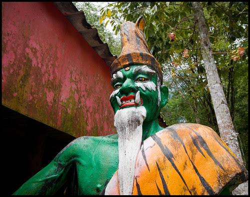 Scary statue at Wat Thamtapan
