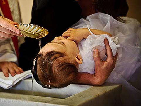 Resultado de imagem para batismo catolico