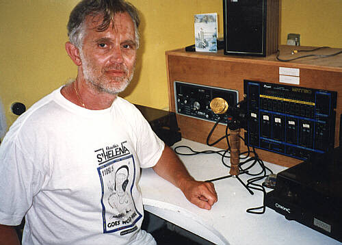 Pacato locutor de rádio de Tristão da Cunha