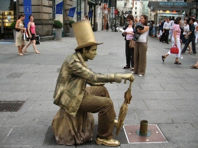 Living Statues Busker
