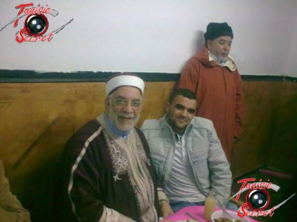 """Le terroriste nahdaoui Saber Kachnaoui, avec l'islamiste """"modéré"""" Abdelfattah Mourou, l'actuel vice-président de l'Assemblée Nationale. Photo prise à Tunis en 2012."""