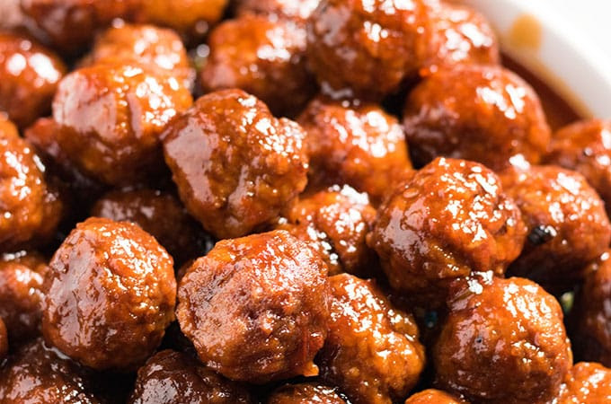 Grape Jelly Meatballs - The Salty Marshmallow