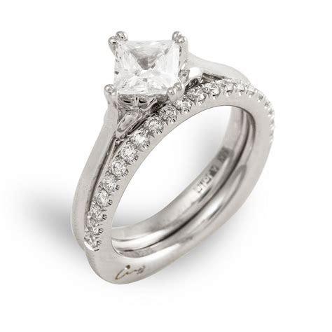 18 Karat white gold engagement ring with princess cut