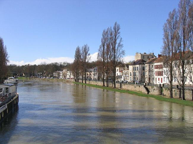 Arquivo: Seine a melun.jpg