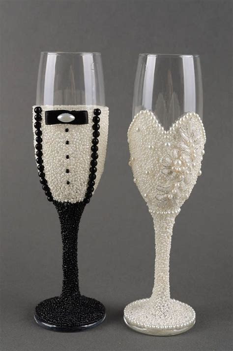 17 Best ideas about Decorated Wine Glasses on Pinterest
