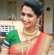 35+ Hairstyle For Short Hair On Nauvari Saree, New Inspiraton!