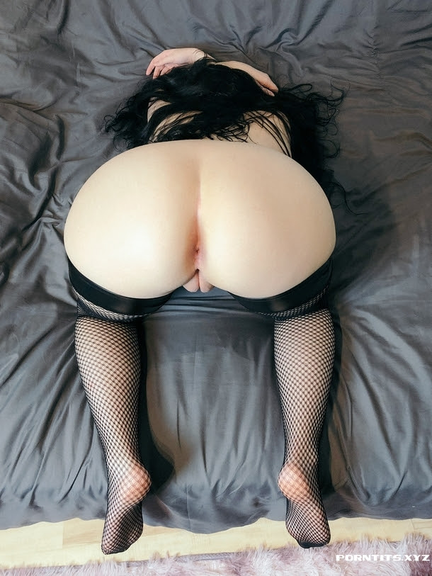 Is my ass up enough Come on give me a slap