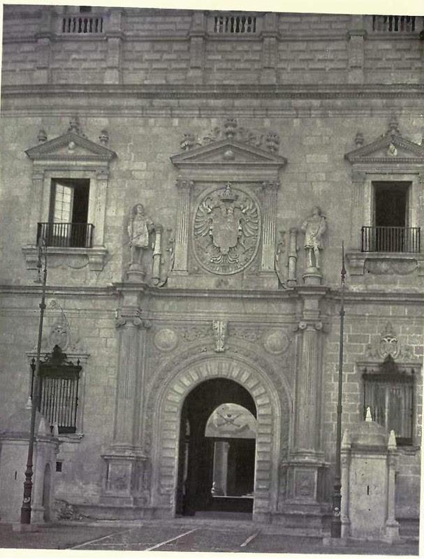 Fachada del Alcázar. Fotografía de Austin Whittlesey a comienzos del siglo XX. © University of Toronto