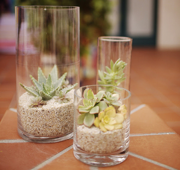 Real Weddings And Wedding Inspiration Ideas Lots Of Glass Cylinder
