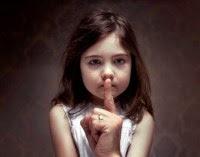 Testemunhas de Jeová acusados de ocultar mais de mil casos de pedofilia nas últimas décadas
