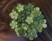Light/Dark Green Daisy Hair Clip