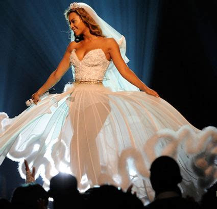 Beyonce wedding gown  Wedding Pictures