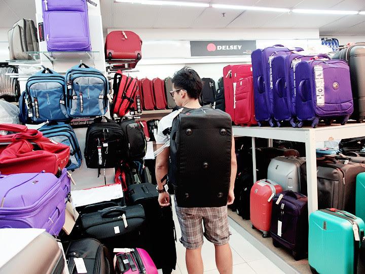 mustafa luggage