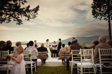 Outdoor ceremony at Ferguson Point. Photo credits: Union