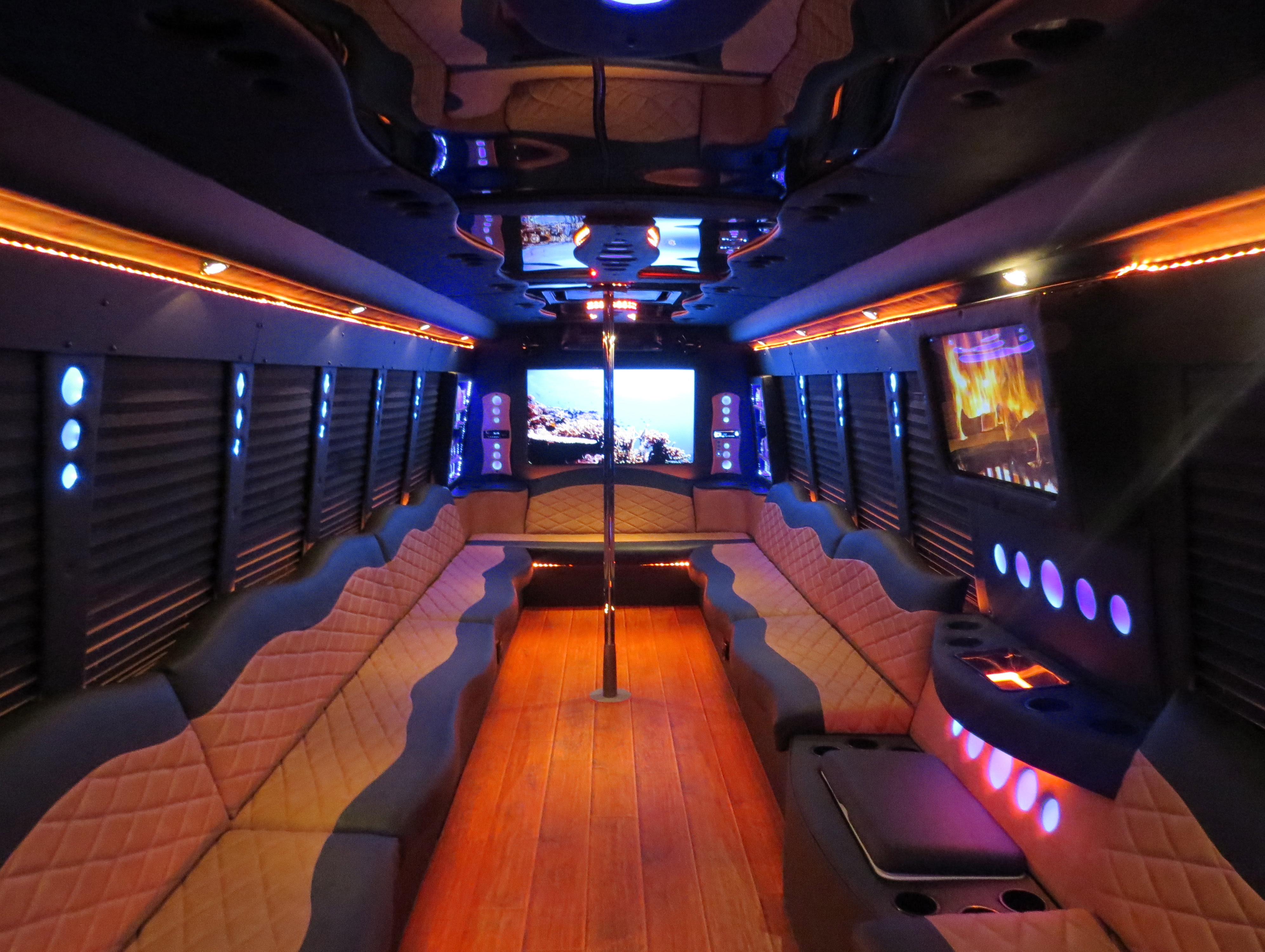 Grizzly Party Bus Rental - Limo Service Rental Memphis TN