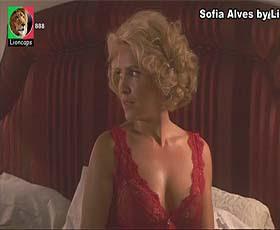 Sofia Alves sensual na novela Remedio Santo