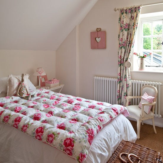 Pretty pink bedroom | Vintage country house | House tour | PHOTO GALLERY | Housetohome