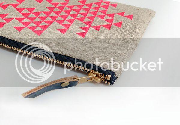 Linen Triangle Zipper Pouch
