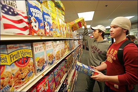 Harvard's Jeffrey Fernandez (left) and Daniel Schofield-Bodt shopped for cereals.