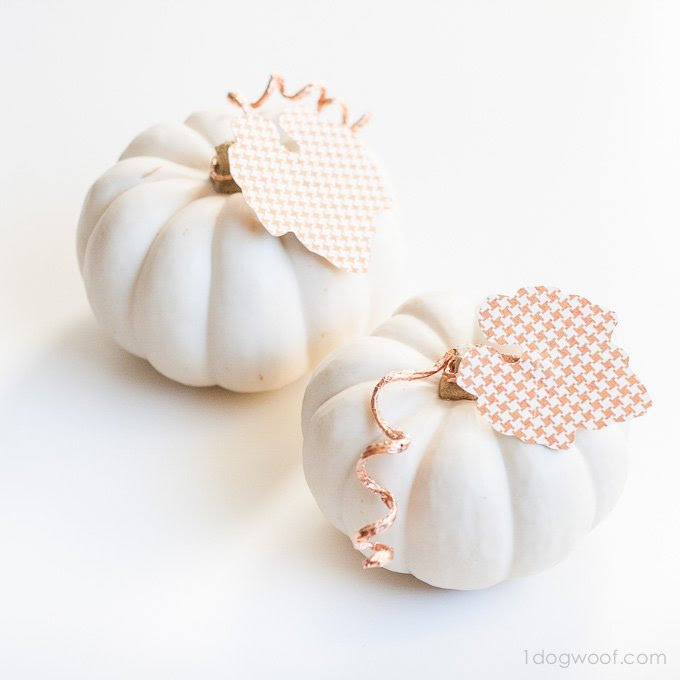 Copper Wire Pumpkins from One Dog Woof  |  25 Creative DIY Pumpkins at www.andersonandgrant.com