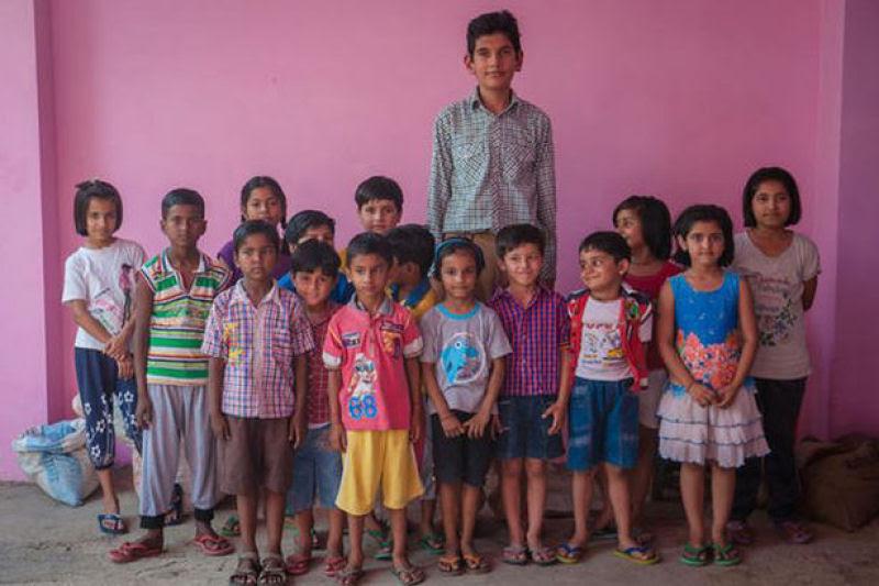 O menino de 8 anos mais alto do mundo mede 2,10 metros 01