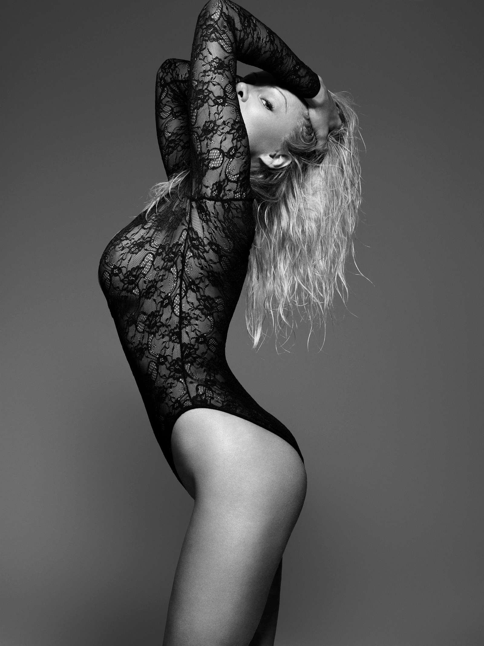 Pamela Anderson – Bondage Photoshoot for Coco de Mer Line 2017