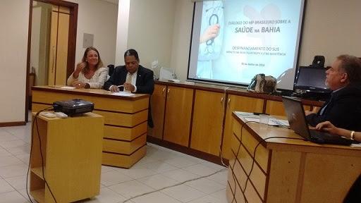 Antônio Brito e Fabíola Mansur discutiram a campanha #SOS Saúde da Bahia
