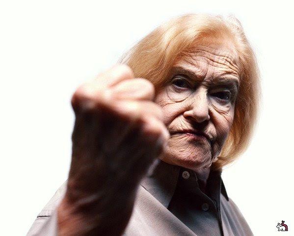 Картинки по запросу фото злые пенсионерки